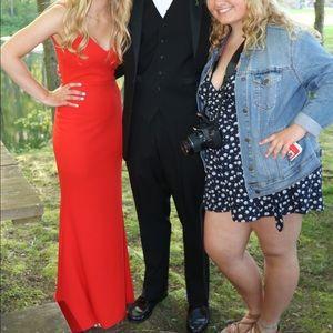 Beautiful red prom dress!